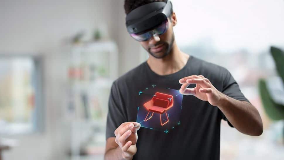 Elérhető a HoloLens 2 a fejlesztők részére - kép